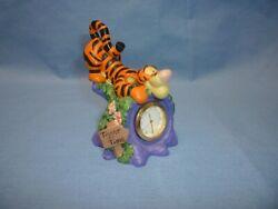 Disney Tigger Figurine Desk Clock (A625)