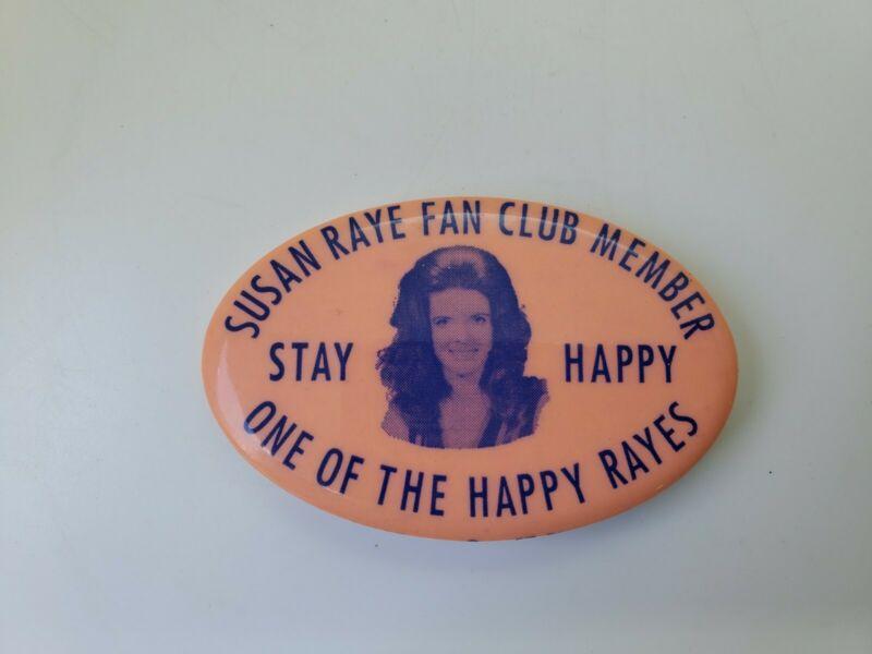 """Vintage 2.75"""" x 1.75"""" Susan Raye Fan Club Pinback Button"""