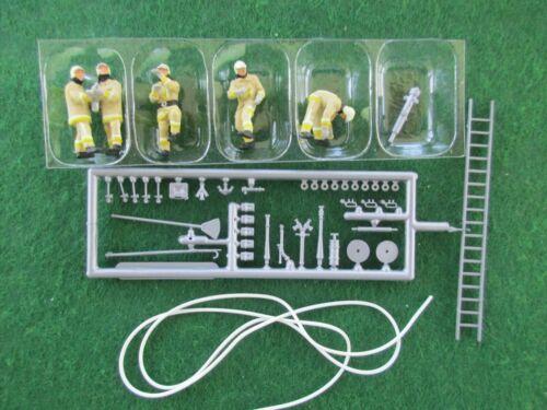 Preiser HO - Firemen Extinguishing Fire #10771 (NIB)