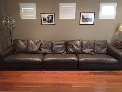 ~Italian 7 seat Chocolate Brown Designer Lounge- great conditon~