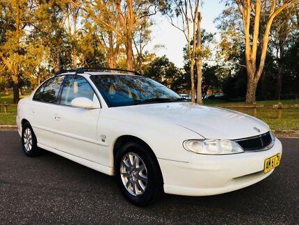 2001 Holden Berlina VX Sedan Low Kms 4Months Rego White Moorebank Liverpool Area Preview