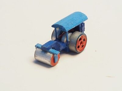 Z-scale Steam Roller made in wood, painted never on layout