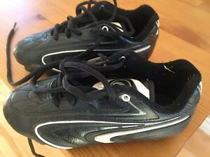 Soccer cleats size13