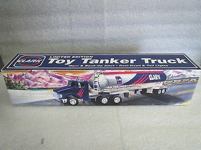CLARK 1995 TANKER TRUCK - NEW