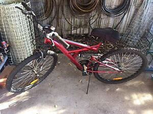 Huffy DS-3 18 speed mountain bike East Branxton Cessnock Area Preview