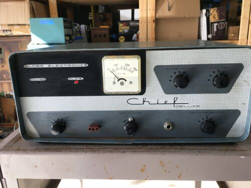 Vintage  GLOBE Chief Deluxe transmitter , ham ,  used