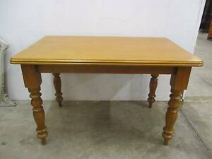 C26015 Lovely Small Vintage Pine Kitchen Table w/ Turned Legs Unley Unley Area Preview