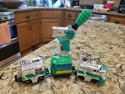FISHER PRICE GEOTRAX REMOTE CONTROL TRAIN GREEN CHROME CLOVER EXPRESS TESTED