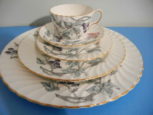 """AYNSLEY   """"  8121  FLORAL   """"  5  PIECES  PLACE SETTING  -  EXC+"""