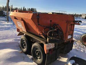 Small dump trailer. Fifth wheel