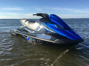 Yamaha waverunner FX SVHO ( not sea doo )