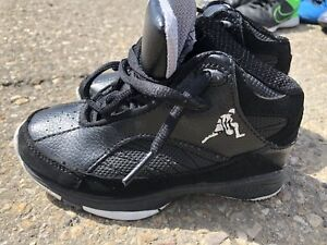 Above the Rim basketball shoes kids 10.5