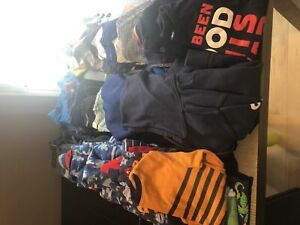 Large lot of Boys Clothes - Size small (6-7)