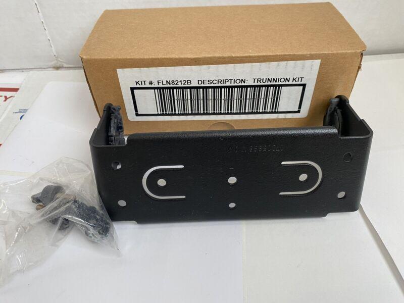 NEW MOTOROLA MCS2000 MOBILE RADIO DASH MOUNT M/BRACKET FLN8212B