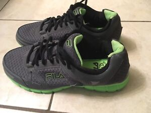 Green FILA men's or woman's size 9 workout exercise shoes