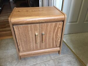 NIGHT STAND / BEDSIDE TABLE