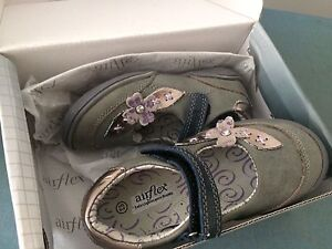 Betts girls shoes Wetherill Park Fairfield Area Preview
