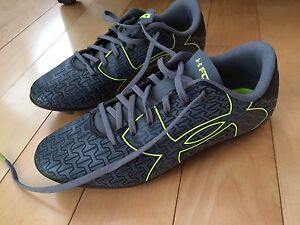 Youth Soccer Cleats Size 3Y