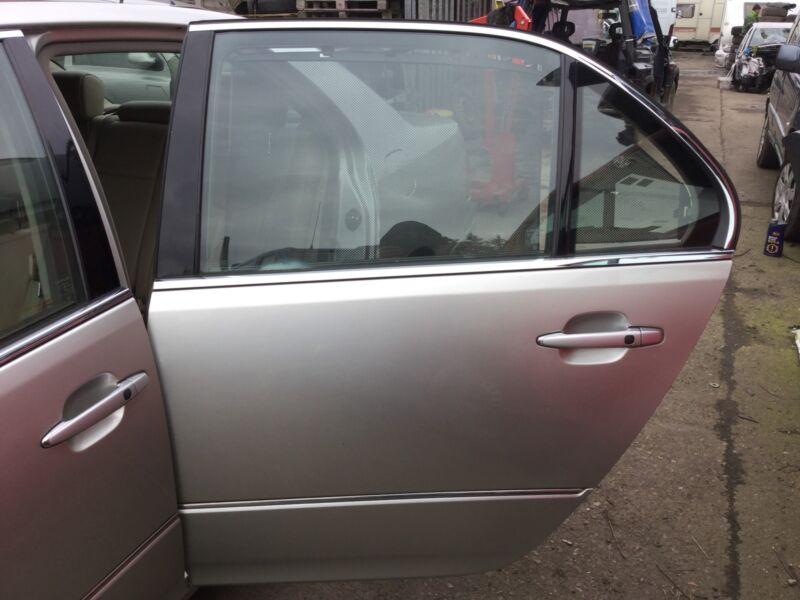 LEXUS LS430 PASSENGER SIDE REAR DOOR COLOUR CODE 1CO 2003