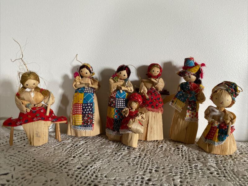 Vintage Lot of 7  Corn Husk Dolls