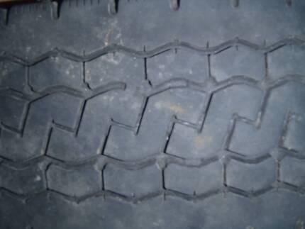 750 x  R18 Mitsubishi Coach Tyres