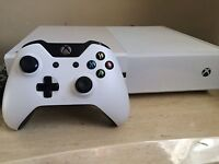 White Xbox One with controller