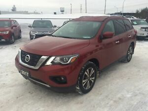 2017 Nissan Pathfinder SV 7 Passenger, Back Up Camera, Power Sea