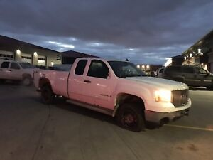 Parting out 2008 GMC Sierra 2500