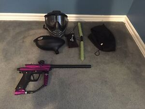 Paintball gun and gear (mint condition)
