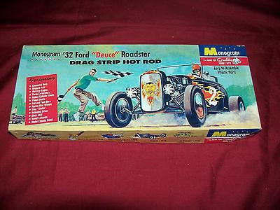 Old Monogram 32 Ford Deuce Roadster Hot Rod Model Car Kit Vintage Plastic Toy 55