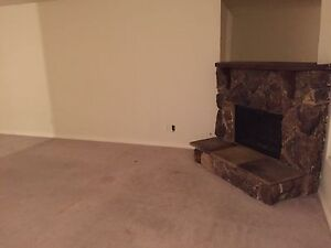 Upper level house for rent in SE