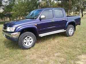 2002 Hilux 4x4 SR5 Turbo Diesel Conder Tuggeranong Preview