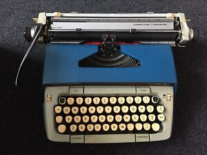 Vintage Smith Corona Portable Classic 12 typewriter