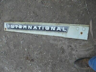 International 656 Rc Tractor Ihc White Front Side Hood Engine Panel W Emblem