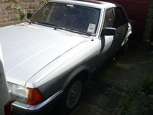 1983-FORD-GRANADA-GHIA-IX-AUTO-SILVER