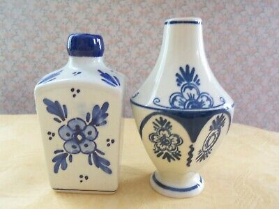 Vintage Delft Holland Blue and White Bud Vases! signed and dated '39 and '46 ()