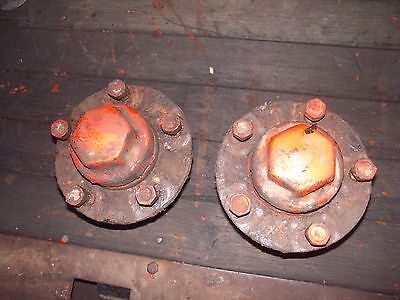 Allis Chalmers Styled Wc Tractor Pair Set Ac Front Hubs W Hub Caps Stud Bolts