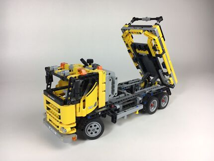 Lego Cherrypicker/DumpTruck set 8292-1 including motor