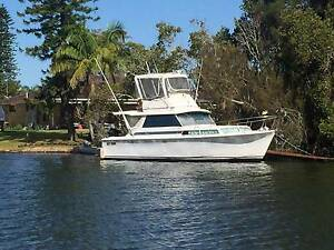 33' Savage Flybridge Cruiser Tuncurry Great Lakes Area Preview