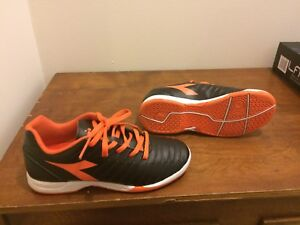 Size 3 Youth - Diadora indoor soccer shoes