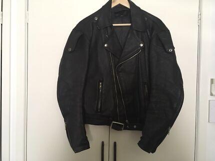 Mens leather jacket size medium M