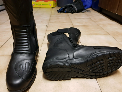 motorcycle boots Helena Valley Mundaring Area Preview