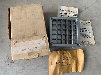 One Vintage Federal Signal Vibratone Horn Model 450 Grey 125v .096amp Nos