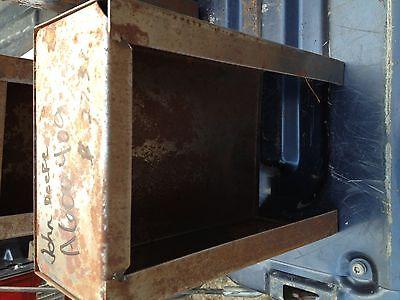 John Deere Tool Box A600409 For John Deere B Sn 42200-59999
