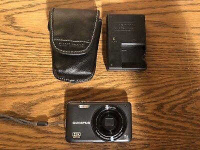 "Olympus  VG-120 Dark Grey 14MP 3.0""LCD Digital Camera W/ Charger & Case Used"