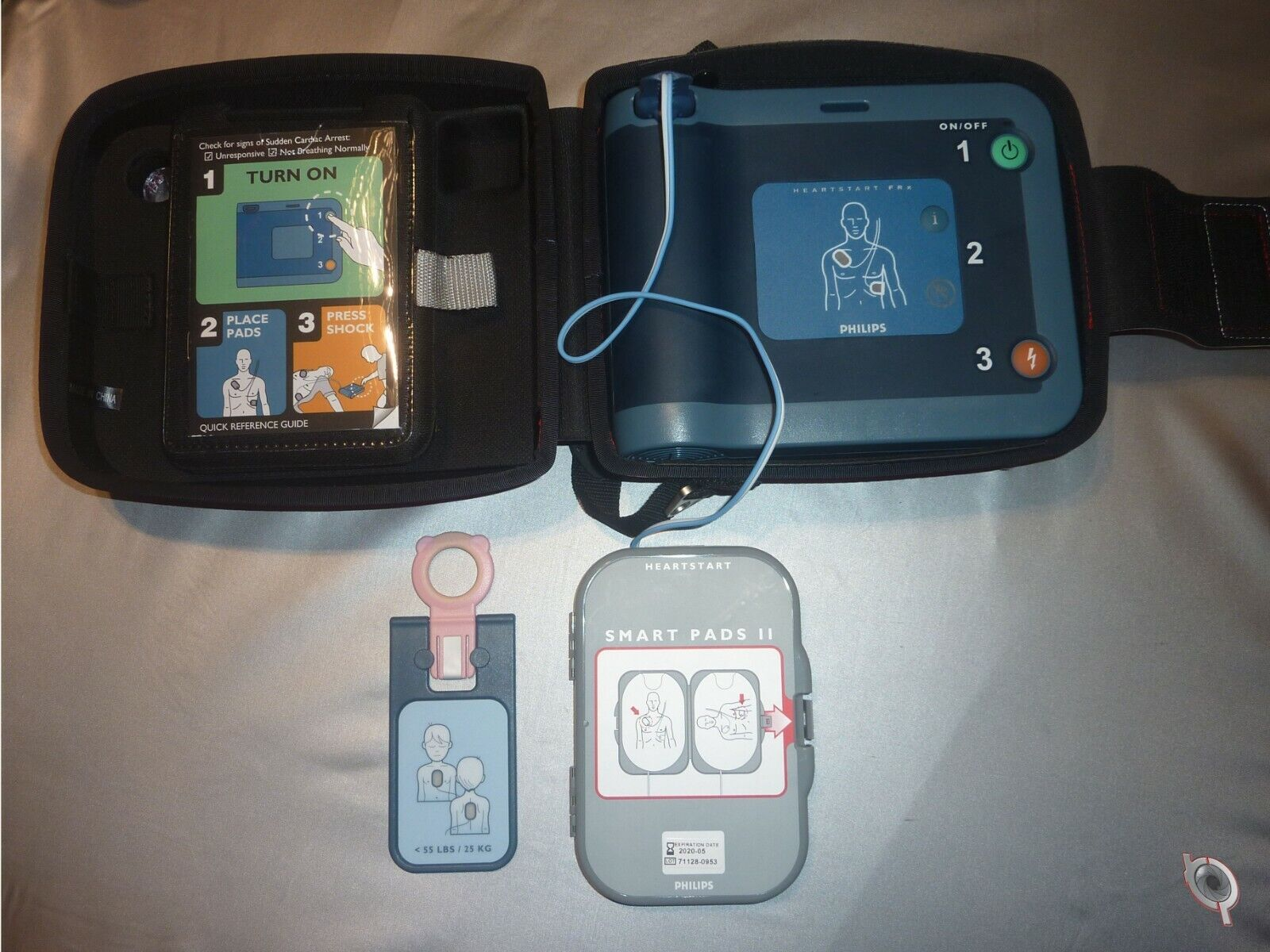 Philips HeartStart FRx AED defibrillator with CHILD KEY! pads & Case