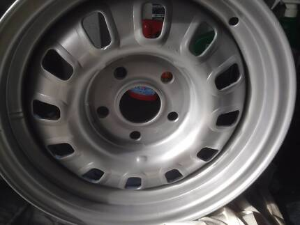 """Ford Falcon XW GT,GTPH1 12 SLOT RIVERTED WHEEL 14""""/ 6 INCH Bicton Melville Area Preview"""