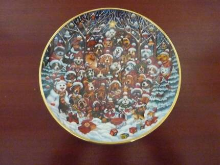 "Franklin Mint Plate ""Santa Paws"""
