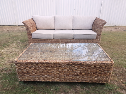 Natural Wicker Lounge Outdoor Setting