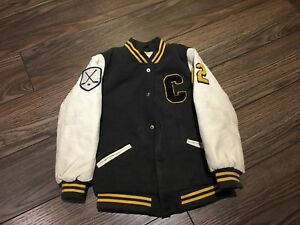 Boy hockey jacket size 5